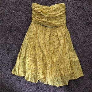 Yellow geometric polka dot pattern dress
